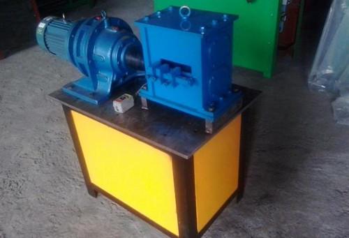 Fishtail end forging machine
